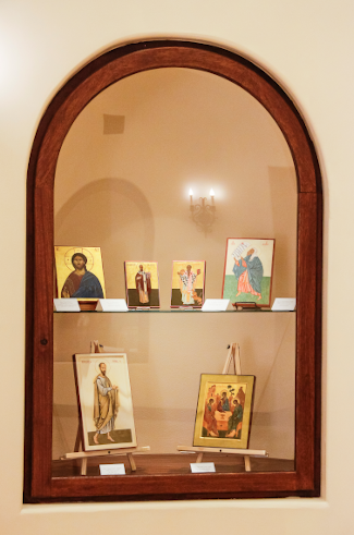 Icons in the St. Thomas Hall rotunda display case