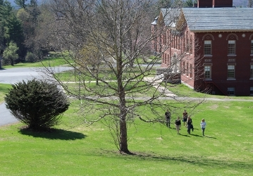 Students walking on New England campus