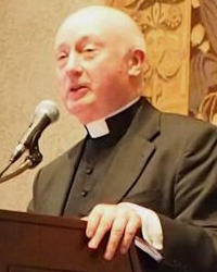 Rev. George Rutler speaks to speaks to the Thomas Aquinas College Bay Area Board of Regents in 2015