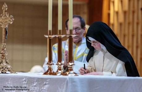 Sr. Mary Thomas, O.Praem. (Alison Bright '09) makes her final vows