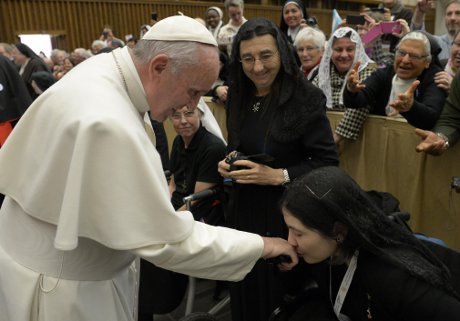 Rev. Miss Therese Ivers, JCL, OCV ('03) and His Holiness Pope Francis (L'Osservatore Romano Photo Service)