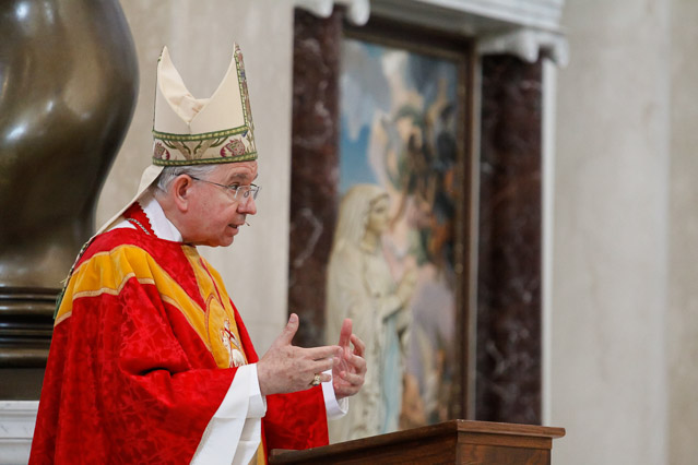 Archbishop Gomez delivers his homily