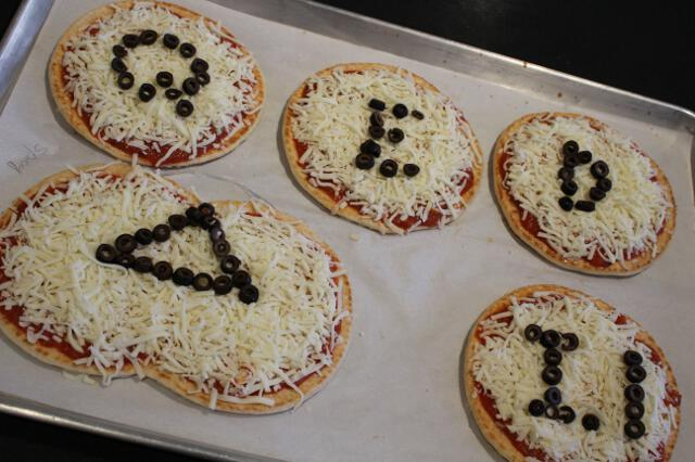 Pizza-Making Party for All-College Seminar Fall 2018