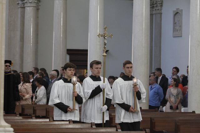 Student acolytes process into the Chapel.