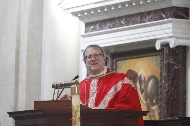 Bishop Barron delivers the homily.