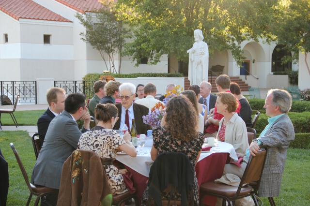 2012 Alumni Dinner with Founders 05