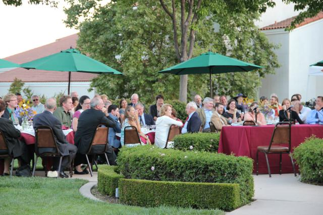 2012 Alumni Dinner with Founders 08