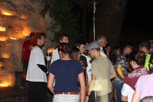 HSSP16 -- Grotto