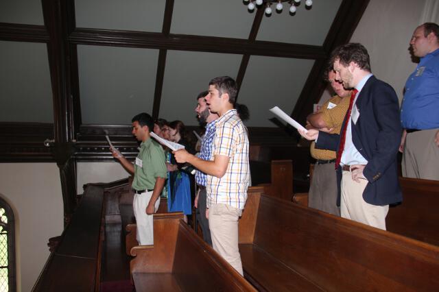 Impromptu student/alumni choir