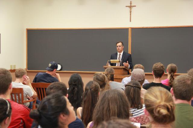 Dr. Goyette addresses the Class of 2018.
