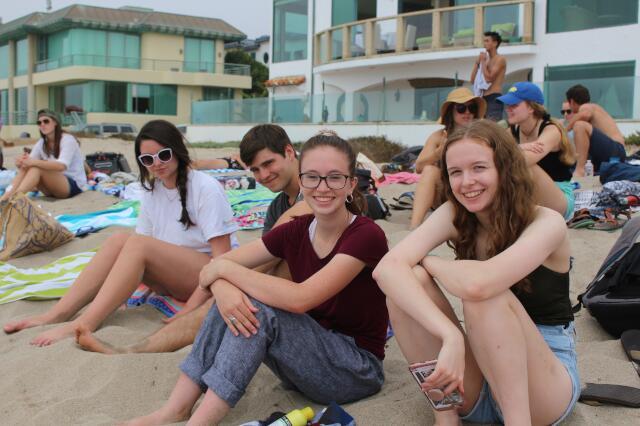 Senior-Freshman Beach Day 2019